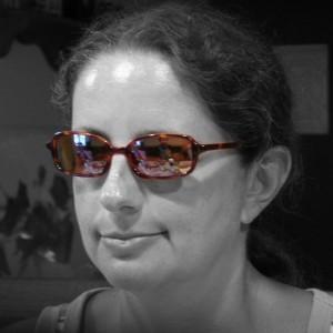 valerie_sunglasses_crop